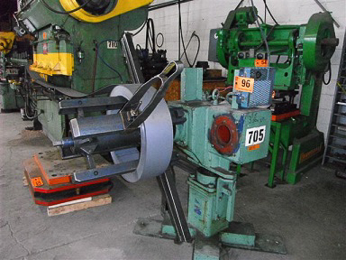 Hydraulic Uncoiler 3,000 Lbs. Image