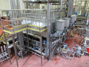 CS117 – Lot of stainless pipework and controls