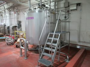 CS056 – Stainless supply tanks